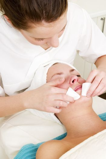 Deep cleansing facial extraction at a beauty spa
