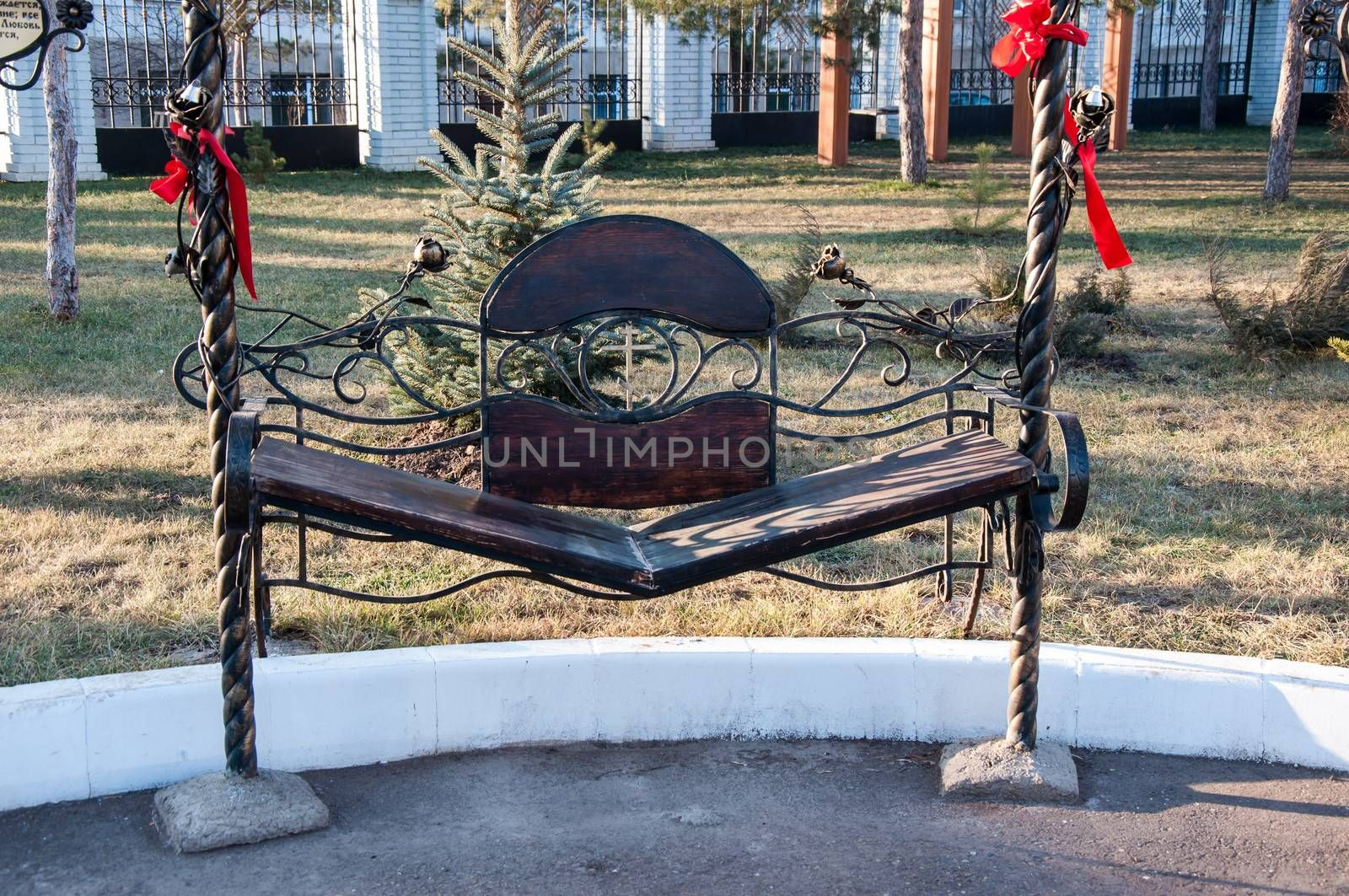 The bench of reconciliation is installed near the chapel of the Holy Martyr PANTELEONA, the Orenburg City Holy Trinity Church