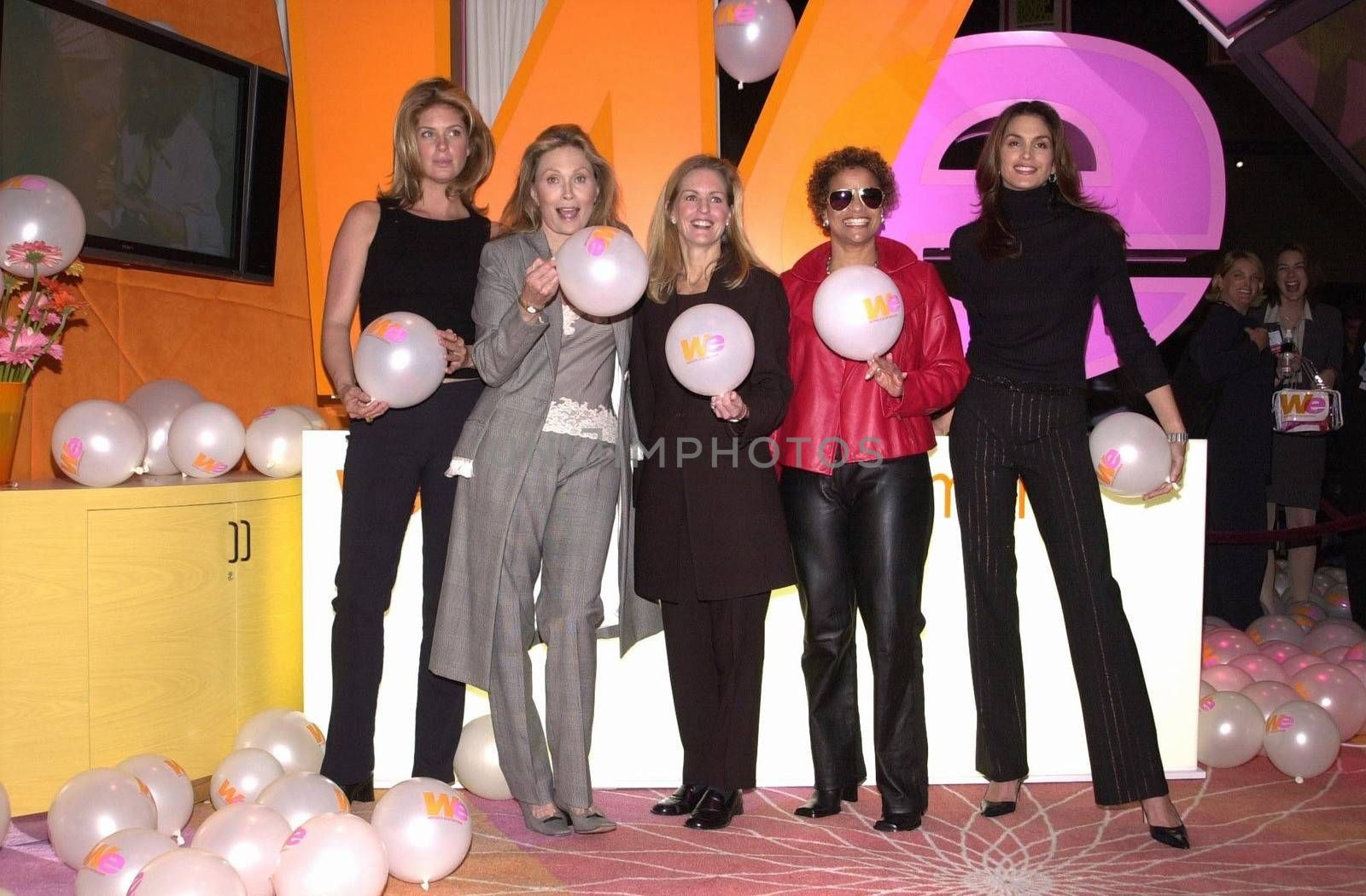 Rachel Hunter, Faye Dunaway, Cindy Crawford, Debbie Allen and Kate McEnroe at the unveiling of the new name for Romance Classics Television in Los Angeles, 11-29-00