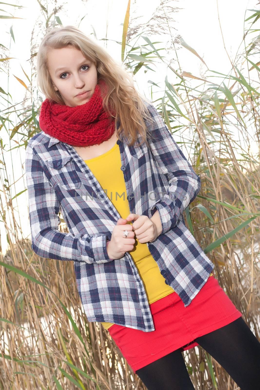 Blong teenage fashion girl in the autumn
