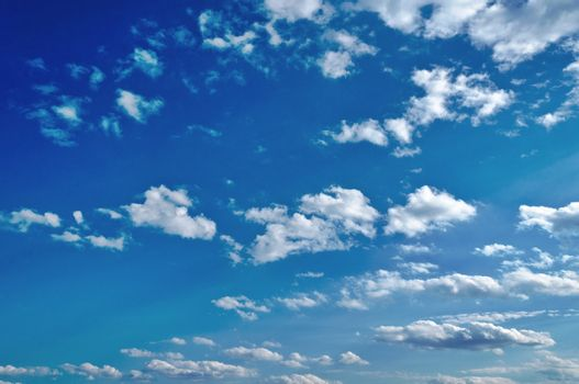 Clear sky and the white clouds